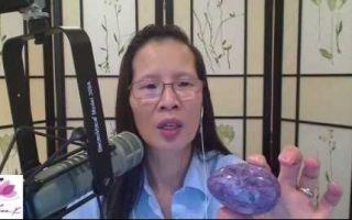 How to Use Crystals and Gemstones